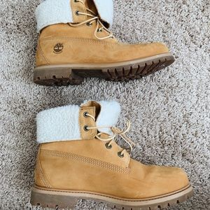 Timberland Shoes - women's jayne teddy fold down timberland boots!